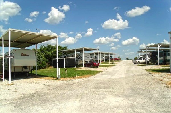 Covered RV Sites in Poolville, TX